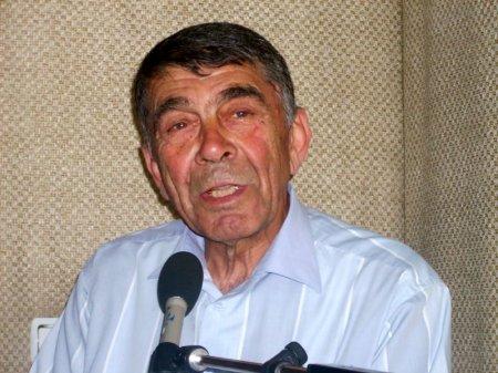 """""""Neftçi""""nin 1976-cı ildə yenidən güclülər dəstəsinə vəsiqə qazandığı görüşü tribunadan şərh etmişdim"""""""