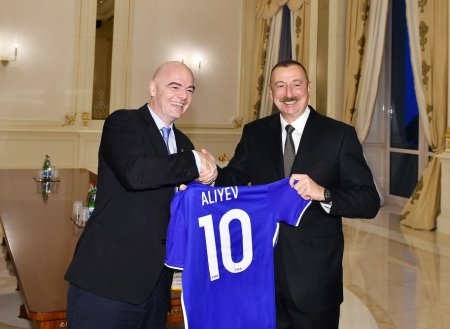 İlham Əliyev FİFA-nın prezidentini qəbul etdi