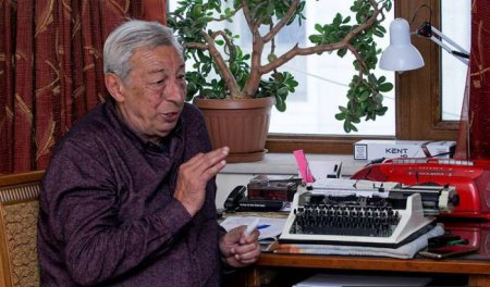 Aydın Əliyev sovet jurnalistikasını daha güclü sayır