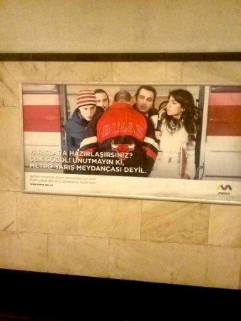 Bakı metrosunda əcaib irqçilik