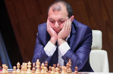 Rauf Məmmədov deputat olmaq istəyən anasının müdafiəsinə qalxdı